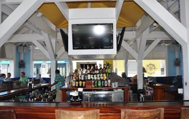 Restaurants, Bars at Valentines Resort Bahamas